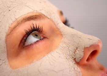 Natürliche Gesichtsmasken selber machen: Für strahlend schönen Teint