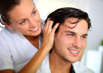 Haargel-Test: Mit viel Chemie im Kampf gegen die Schwerkraft