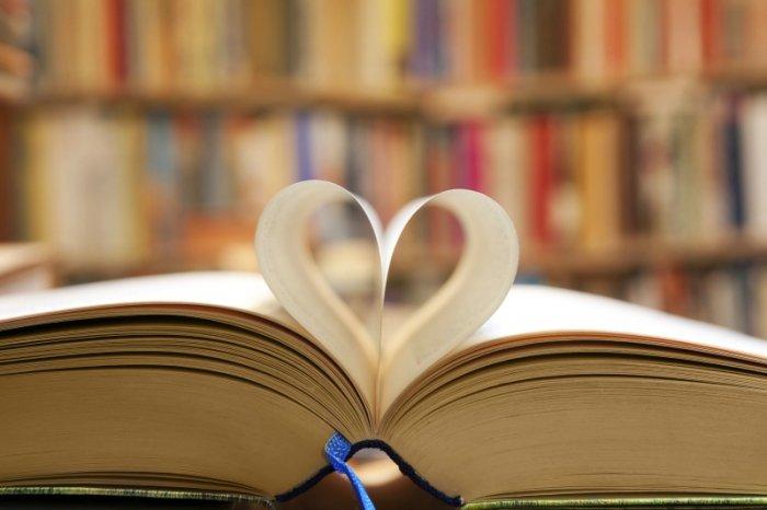 Karte Zum Valentinstag: Im Lieblingsbuch Verschenken