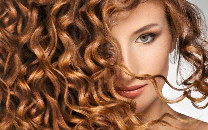 Glänzend und rund um gesund: Schöne Haare durch Ernährung