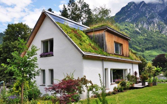 Strohhaus nachhaltig wohnen im gem tlichen energiesparwunder for Energiesparendes bauen