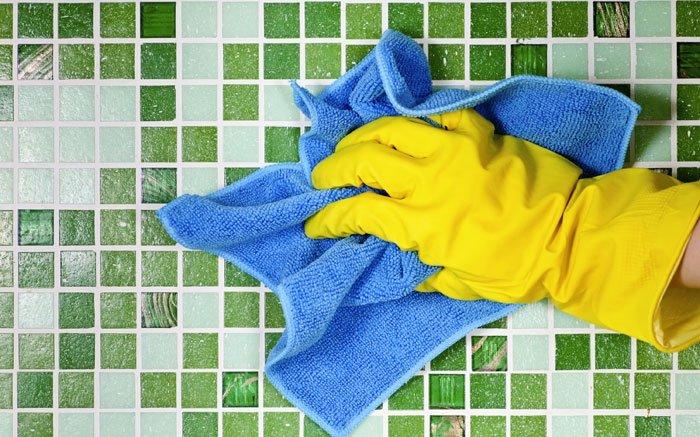 bild 9 umweltfreundlich putzen mit microfasertuch ganz ohne chemie reinigen. Black Bedroom Furniture Sets. Home Design Ideas