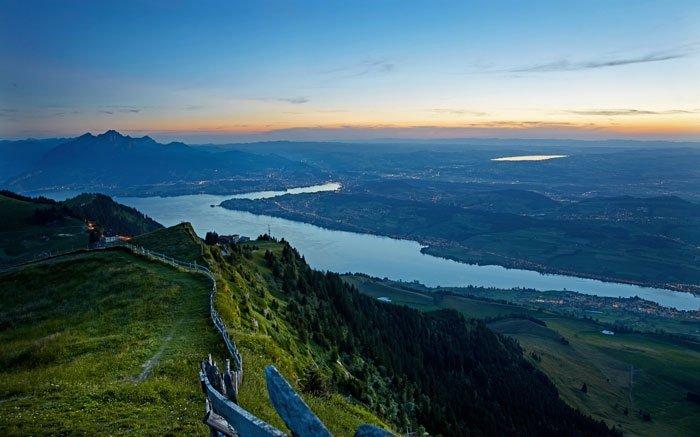 Schwyzer Höhenweg: Atemberaubende Aussicht auf die Umgebung