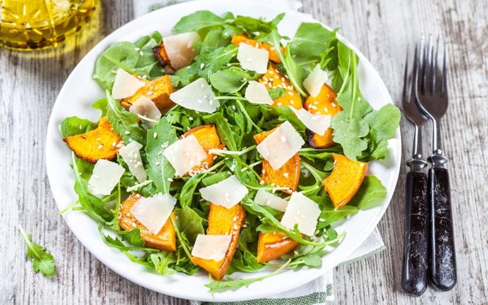 bild 11 abwehrkr fte st rken mit einem vitaminreichen salat oder chicor e. Black Bedroom Furniture Sets. Home Design Ideas