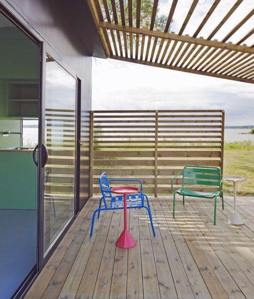 Bild 3 Terrasse und Mini House ergeben doppelte Wohnfläche