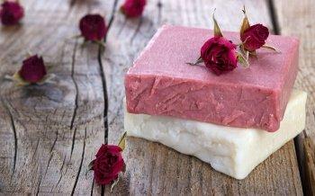 Naturseifen selber machen: Von Rosenduft bis Hafermilch