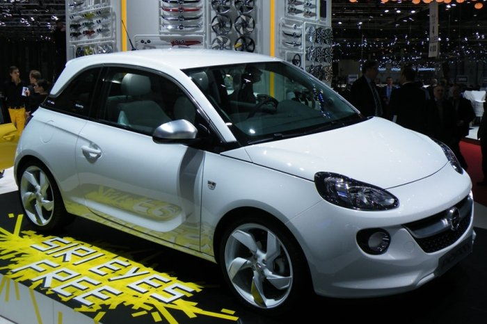 bild 9 opel adam. Black Bedroom Furniture Sets. Home Design Ideas