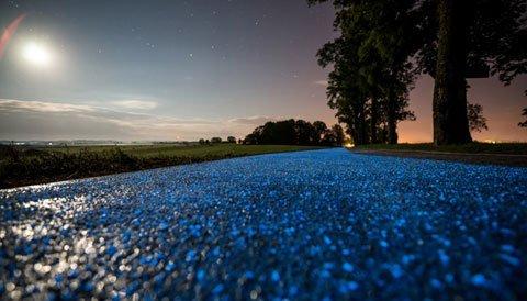 Dieser Veloweg leuchtet nachts, angetrieben durch Sonnenlicht