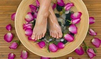 Gepflegte Beine und Füsse mit natürlicher Kosmetik
