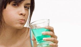 Was tägliches Spülen wirklich zur Gesundheit im Mund beiträgt