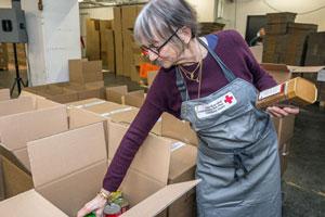 2 x Weihnachten: Packe ein Geschenk für Menschen in  Not