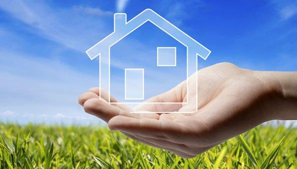 Bei der Planung eines Hauses die Sonnenenergie einzuplanen kann später viel Energie sparen.