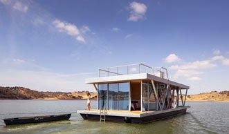 im hausboot wohnen und natur wie unabh ngigkeit geniessen. Black Bedroom Furniture Sets. Home Design Ideas
