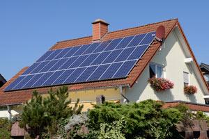 Der Preis ist heiss: So viel kostet Photovoltaik vom eigenen Dach