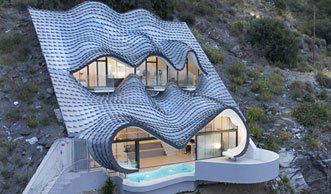 Wohnen am Abgrund: Dieses Traumhaus im Fels braucht keine Heizung