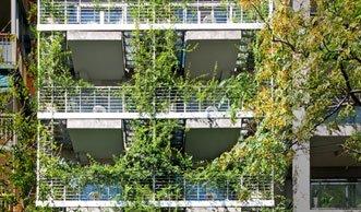 Wohnen im Grünen: Dieses Hotel holt den Regenwald in die Stadt