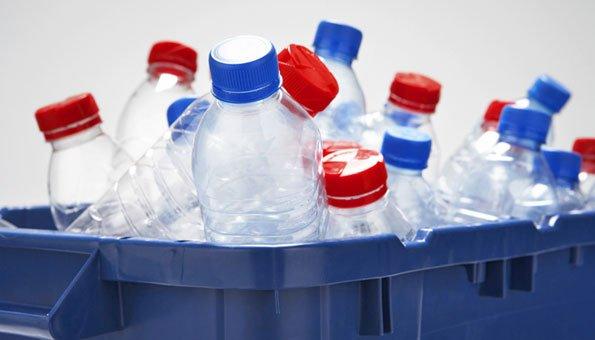 Mit PET-Flaschen Eislichter basteln? Lesen Sie hier wie!
