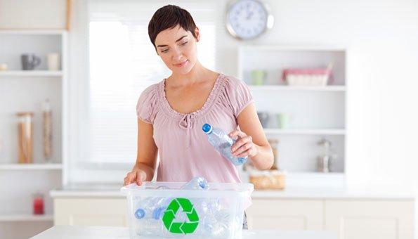 PET-Flaschen werden gesammelt und wiederverwertet.