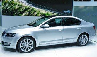 Auto Salon Genf 2013: Sparsame Benziner und Dieselantriebe