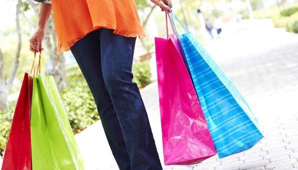 Wie Sie Kosmetik, Mode und Essen nachhaltig einkaufen, erfahren Sie hier.