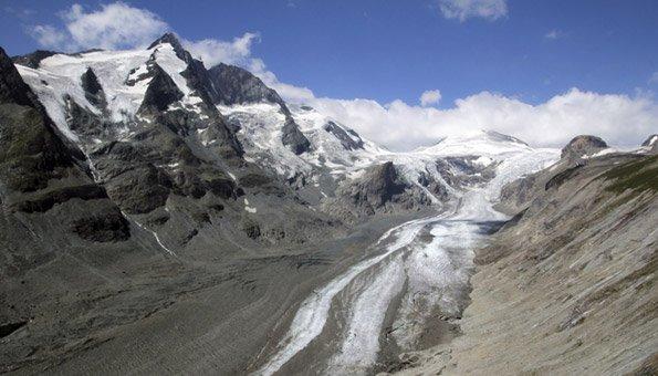 Die Gletscher-Schmelze ist eine der Folgen des Klimawandels.