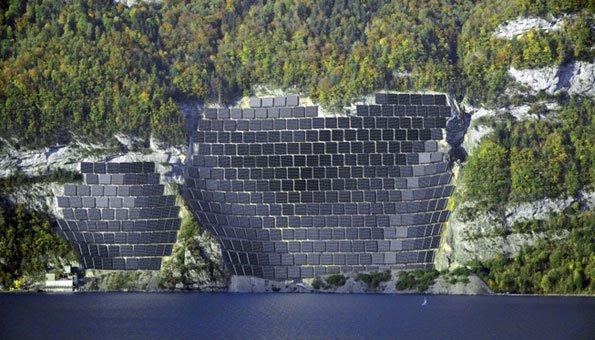 Am Walensee soll die grösste Solaranlage der Schweiz gebaut werden.