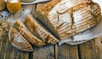 3 einfache Rezepte für frisches Brot ohne Hefe