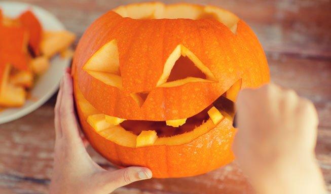 Kürbis schnitzen: In 6 Schritten zur gruseligen Herbstdeko