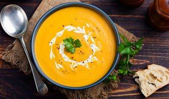 3 feine und einfach Rezepte für Kürbissuppe mit Kokosmilch