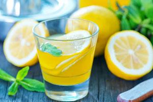 Von (A)nanas bis (Z)itrone: 12 spritzige Rezepte für Limonade