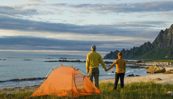 Camping schont die Umwelt und das Budget. Foto: © Ingram Publishing / Thinkstock
