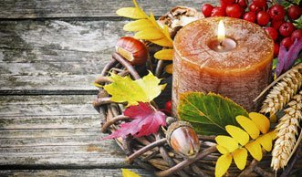 Farbenfrohe Herbstdeko basteln mit Materialien aus der Natur