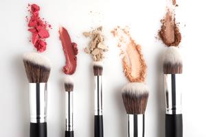 Unsere Top 5 Naturkosmetik-Marken für Make-up