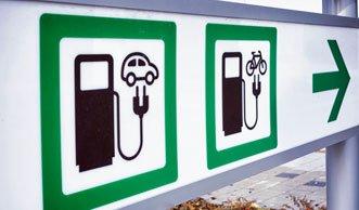 Einmal aufladen bitte! Mehr E-Autos durch weitere Stromtankstellen?