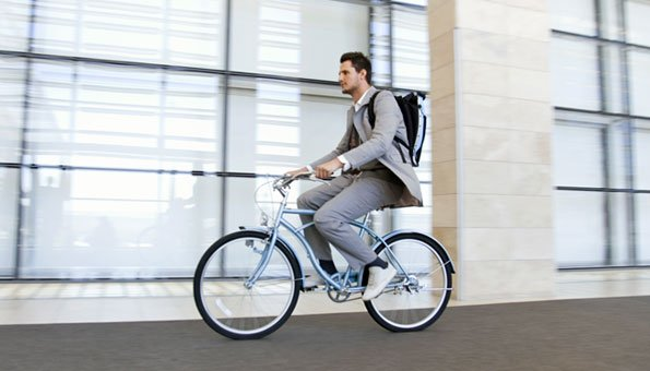 Mit dem Fahrrad kommen Sie besonders umweltfreundlich zur Arbeit.