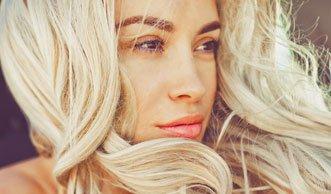 Für mehr Volumen: Diese Hausmittel helfen bei dünnen Haaren