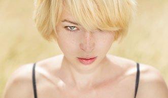 Haare schonend aufhellen mit natürlichen Mitteln