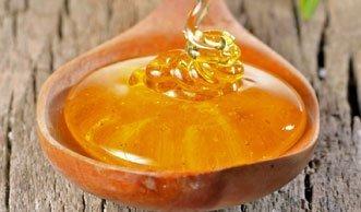 Wunderwaffe Honig: Wie das Hausmittel gegen Pickel wirkt