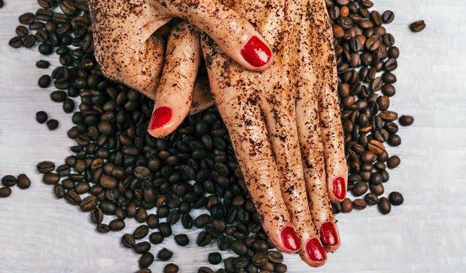 Schrubben Sie sich schön: Mit Kaffeesatz-Peeling zur zarten Haut