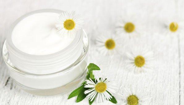 Naturkosmetik hält Ihre Haut gesund und fit mit natürlichen Wirkstoffen