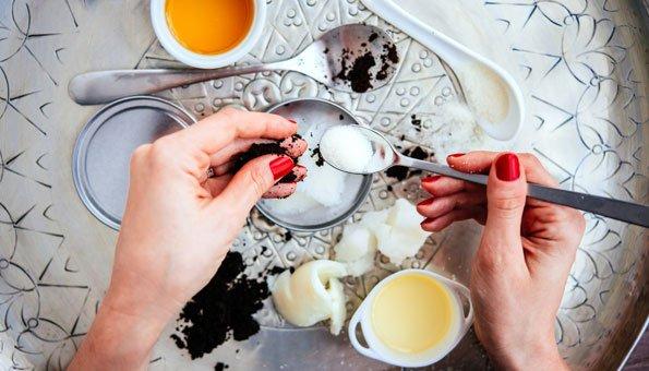 Olivenöl für Haare und Haut: So vielseitig pflegt es