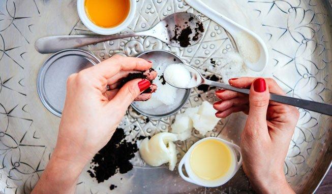 Beauty-Kur aus der Küche: So vielseitig pflegt Olivenöl