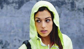 Regenjacken im Test: So umgehen Sie schädliche Chemikalien