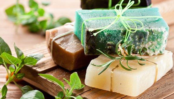 Seife selber machen: Mit Seifenflocken und Glyzerinseife, ohne Lauge
