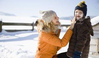 Zuviel Sonnenschutz-Mittel kann der Gesundheit schaden