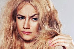 Diese Hausmittel machen Schluss mit trockenen Haaren