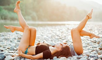 Wie Sie hautschonend und gesund braun werden