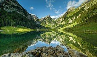 Kristallklare Gewässer erlaufen auf einer der 3-Seen-Wanderungen