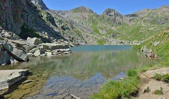 Wandern zur Rheinquelle: Der einmalige Tomasee