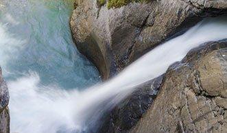 Tosende Trümmelbachfälle: Die Kraft des Wassers erleben